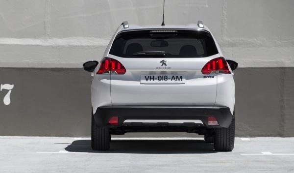 Peugeot 2008, trasera