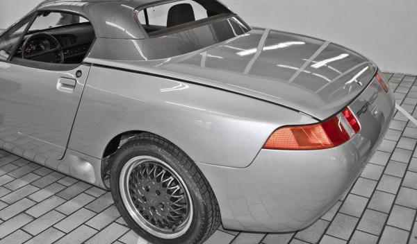 Porsche Roadster trasera