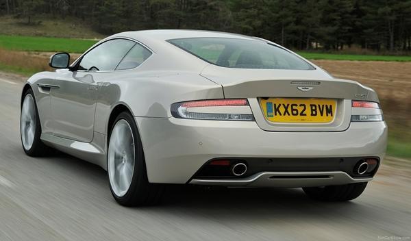Trasera del Aston Martin DB9 2013