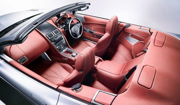 Interior del Aston Martin DB9 Volante 2013