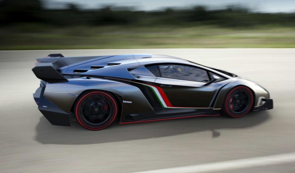 Lamborghini_Veneno_2013_perfil