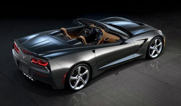 Chevrolet_Corvette_C7_Stingray_Convertible_ginebra_trasera_descapotado
