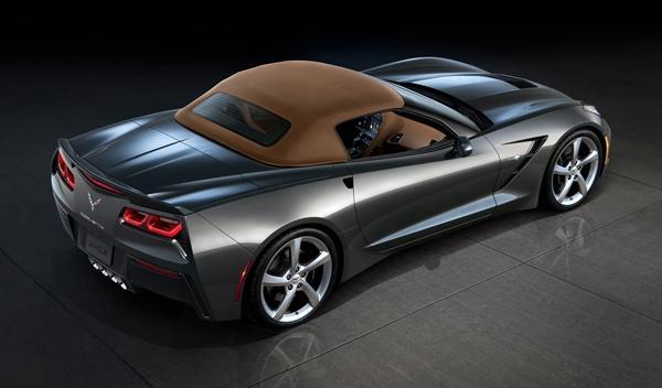 Chevrolet_Corvette_C7_Stingray_Convertible_ginebra_trasera_capotado