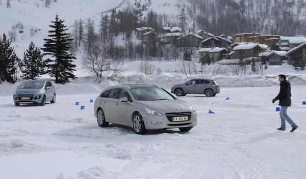 Peugeot Hybrid4 alpes pista