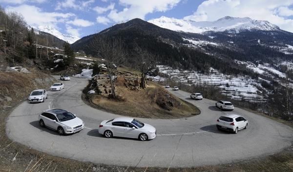 Peugeot Hybrid4 alpes gama