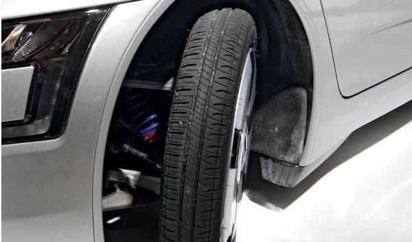 Volkswagen XL1 neumático