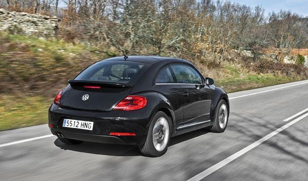 Volkswagen Beetle Fender Edition dinámica trasera