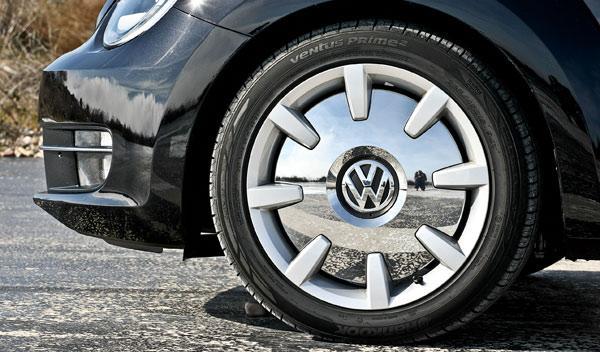 Volkswagen Beetle Fender Edition llanta 18 pulgadas espejo tapacubos