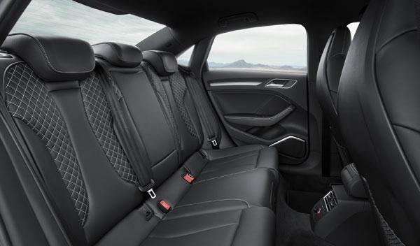 Audi A3 Sedan plazas traseras