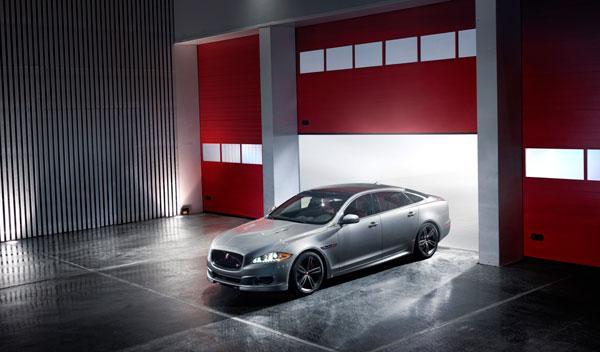 Jaguar-XJR-estática-delantera