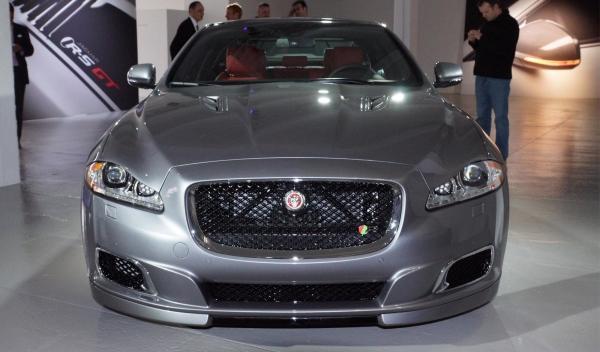 Jaguar-XJR, salón