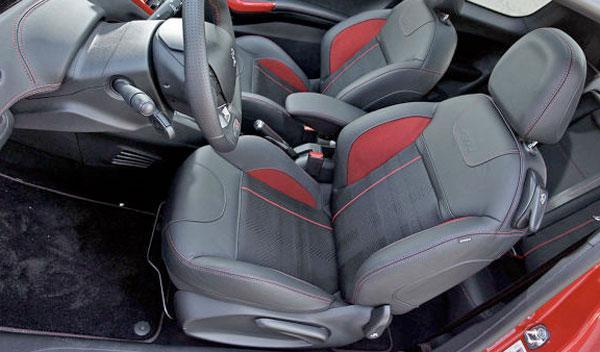 Peugeot 208 GTi asientos