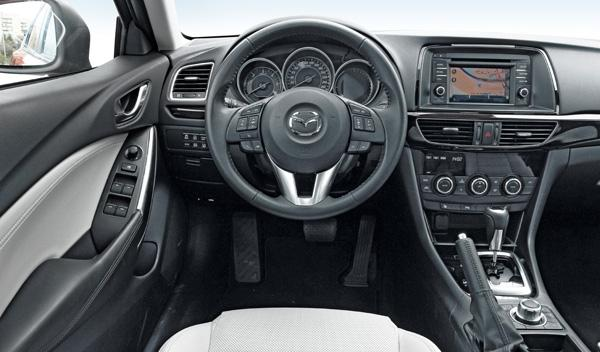 Mazda6 2.2 150CV AT Sedán interior