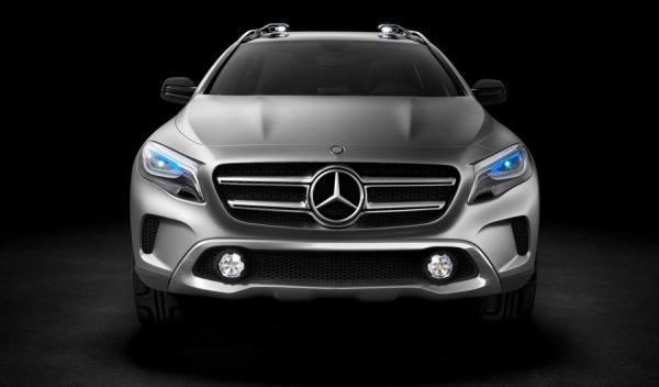 Mercedes GLA proyector
