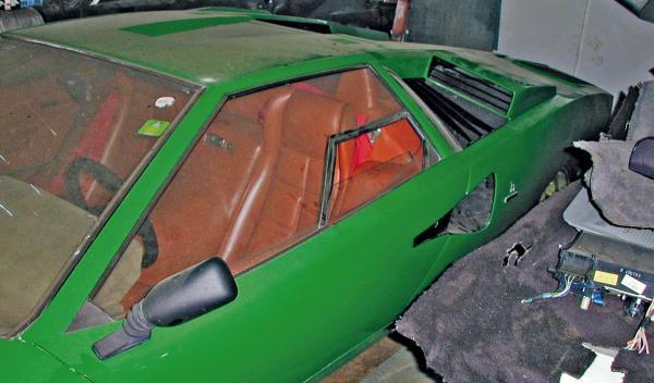 Lamborghini Countach polvo