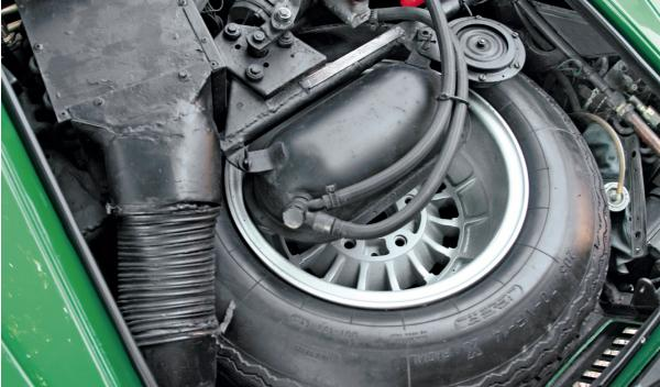 Lamborghini Countach rueda