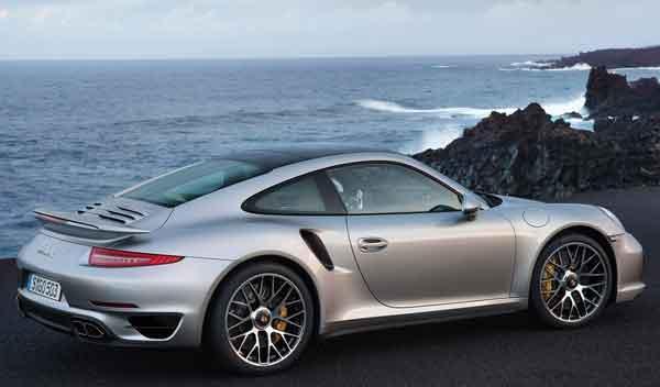 Porsche 911 Turbo y Turbo S lateral trasera