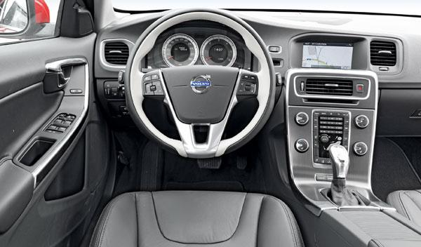 Volvo V60 D3 Summum interior