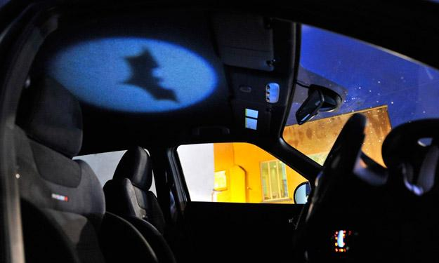 Nissan Juke Nismo Batman interior