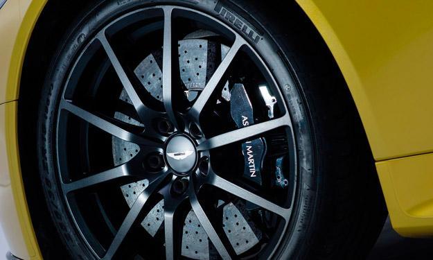 Aston Martin V12 Vantage S llantas