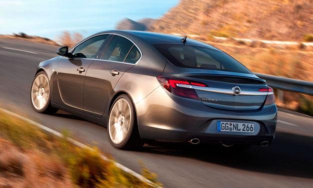 Opel Insignia 2013 trasera