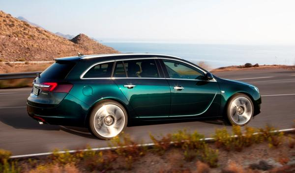 Opel insignia familiar