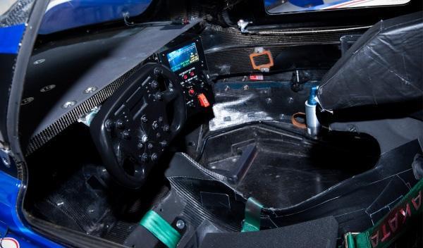 toyota-hybrid-24-h-le-mans-2012-interior