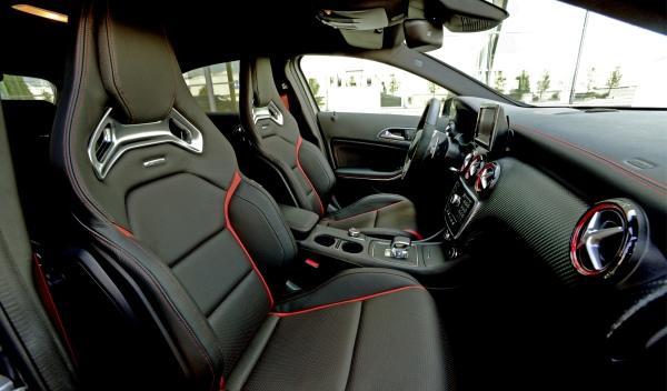 Mercedes Clase A 45AMG asientos
