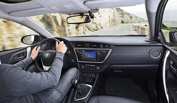 Toyota Auris Touring Sports interior