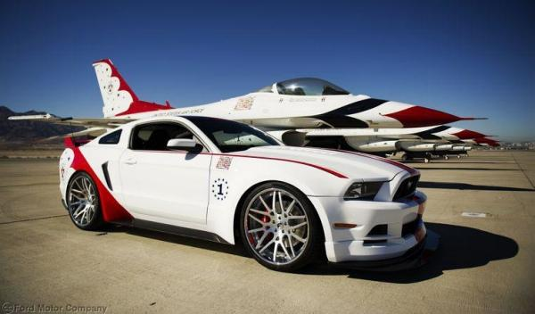 Ford Mustang 2014 Thunderbirds Edition