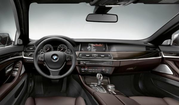 BMW Serie 5 salpicadero