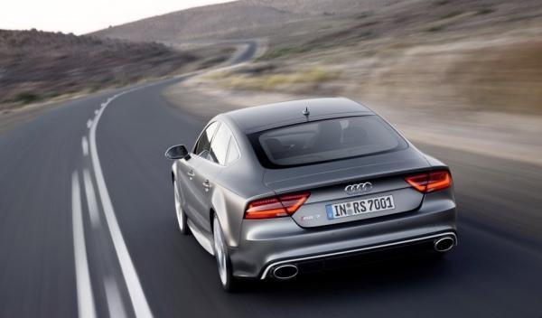 Audi RS7 trasera dinámica