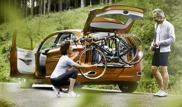 BMW Concept Active Tourer Outdoor bicicletas