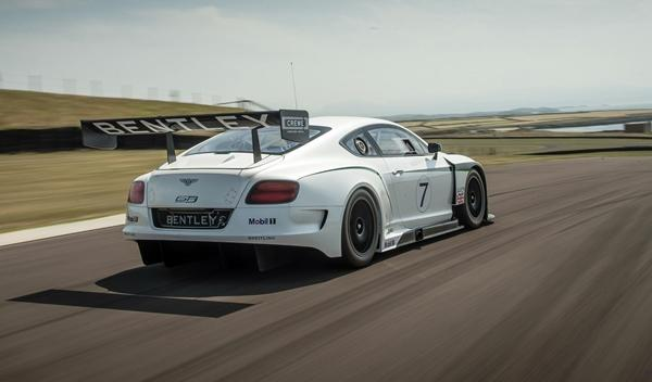 Bentley_Continental_GT3_trasera