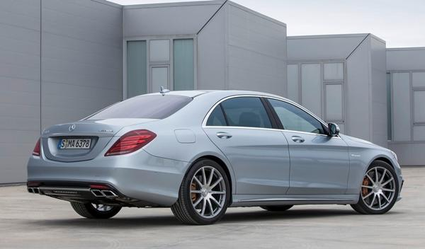 Mercedes S63 AMG trasera