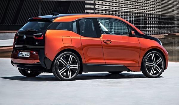 BMW i3 de producción trasera