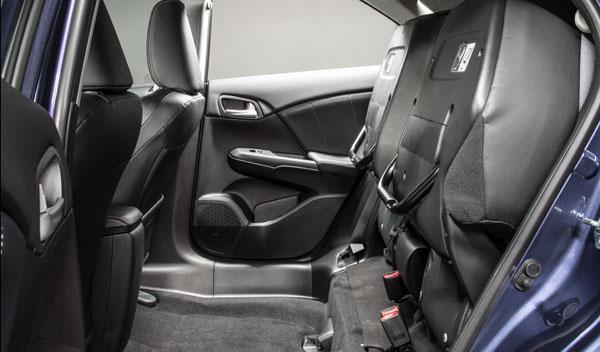 Nuevo Honda Civic Tourer 2013 asientos mágicos
