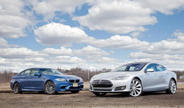 Tesla S vs BMW M5 1