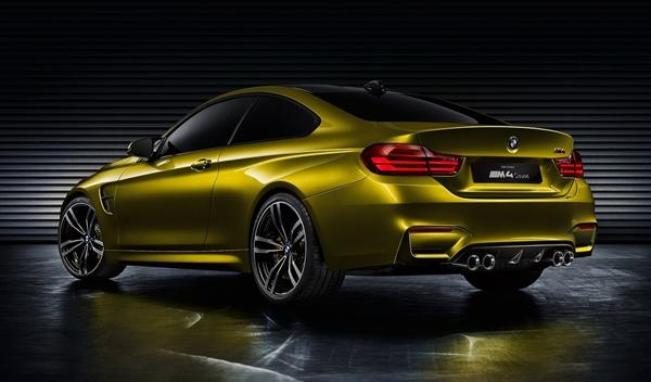 BMW Concept M4 Coupe trasera