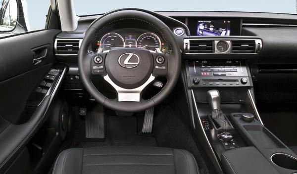 Lexus IS 300 h cuadro