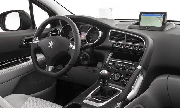 Peugeot 3008 y 3008 HYbrid4 interior