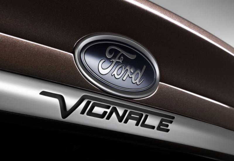 Ford Mondeo Vignale Concept Detalle Logo