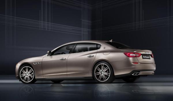 Maserati Quattroporte trasera