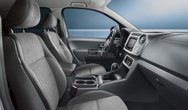 Volkswagen Amarok Dark Label interior - Salón de Frankfurt 2013