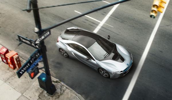 BMW i8 cenital