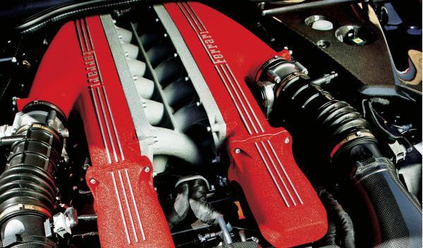 Ferrari-F12-motor-V12
