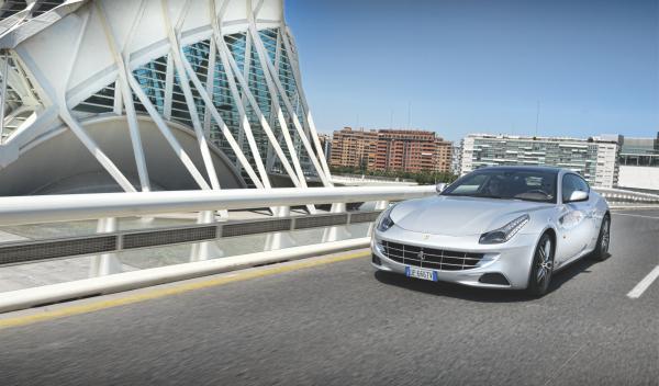 Ferrari-FF-delantera-Valencia