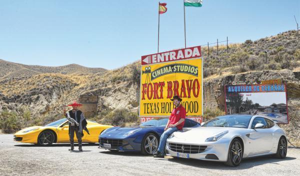 Ferrari-458-Spider-Ferrari-F12-Ferrari-Desierto-Almeria