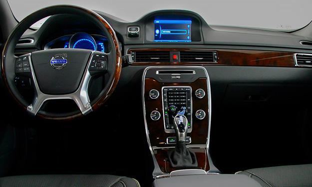 Volvo XC60 D5 AWD Summum Aut interior