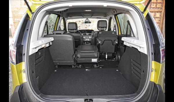 Renault Scénic XMod 1.5 dCi 110 maletero